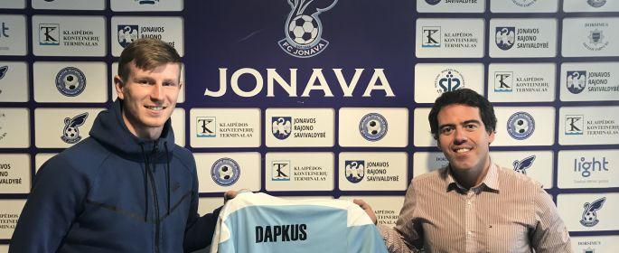 """""""Jonava"""" pratęsė sutartį M. Dapkumi ir A. Tručinsku"""